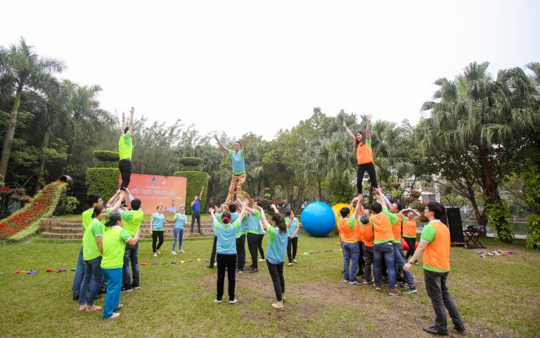 AHA- Team Building: Ai cao hơn