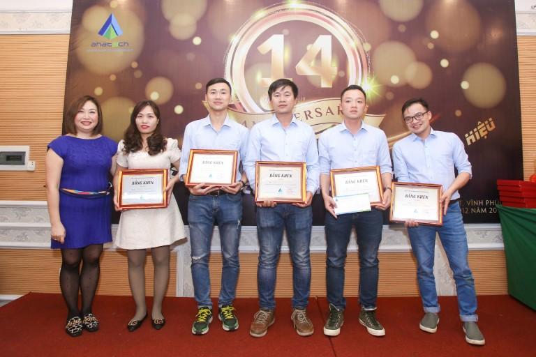 AHA- Trao thưởng nhân viên xuất sắc công trình Movempick